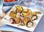 Röllchen mit Füllung aus Auberginen und Zucchini