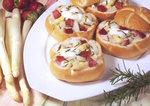 Spargel-Erdbeersalat mit Honig und Rosmarin
