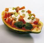 Bunt gefüllte Papaya