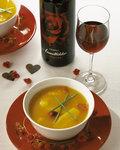 Leckere Kürbis-Orangen suppe