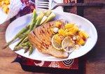 Deftiger Schwertfisch mit Spargel und Mango