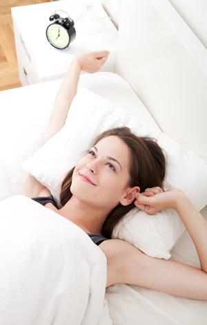 Erholtes Aufwachen nach geruhsamem Schlaf