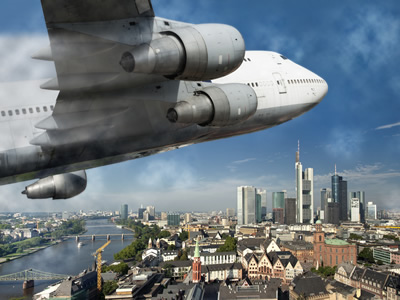 Flugzeuge über Städten erzeugen Lärmbelästigung