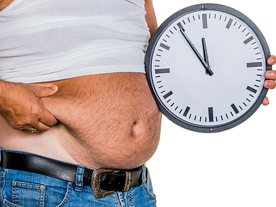 "Mann mit Bauch und Uhr ""5 vor 12"""