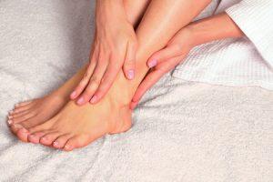 Diabetiker sollten ihre Füße gut pflegen