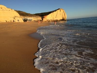 Die Traumküste der Algarve ist ein beliebtes Single-Ziel