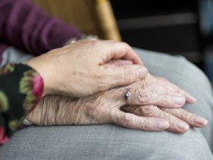 Hilfe für Pflegebedürftige und Pflegende